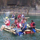 rafting–team-building
